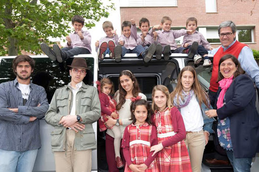 Rosa Pich and her children - es