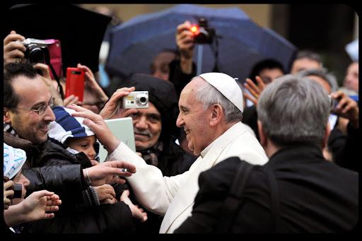 Pope Francis Visits Roman Parish Serving Homeless Poor TIZIANA FABI / AFP - es