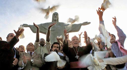 Una celebración ecuménica en el Cristo del Corcovado, el 11 de octubre de 2001