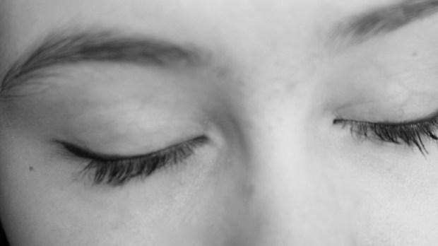 ojos cerrados
