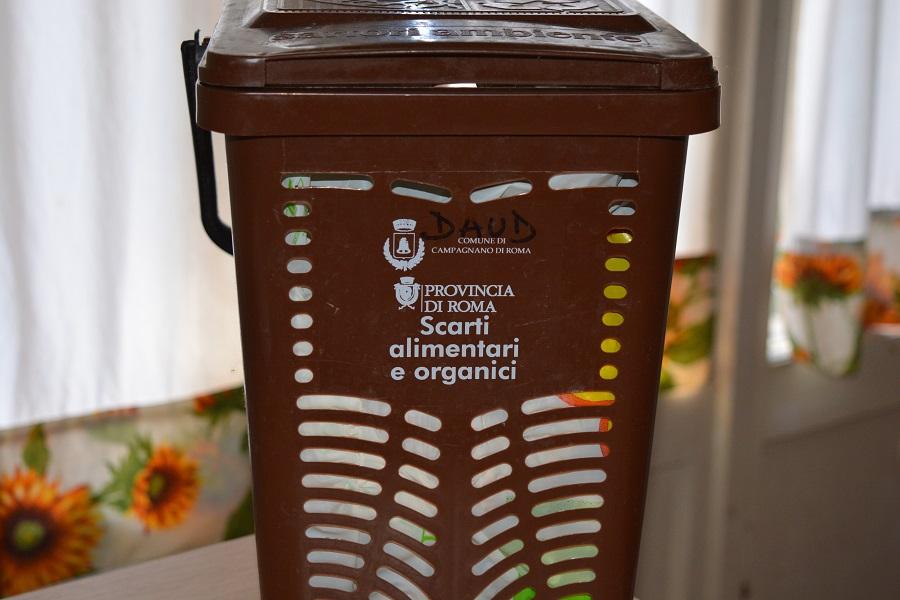 cesto para residuos orgánicos