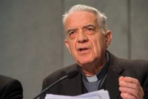 """""""Puedo confirmar que el Papa disfruta de buena salud.Reitero que lo publicado constituye un acto de grave irresponsabilidad"""", dijo el p. F. Lombardi S.J., portavoz vaticano"""