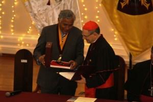Amato recibe distinción en Perú