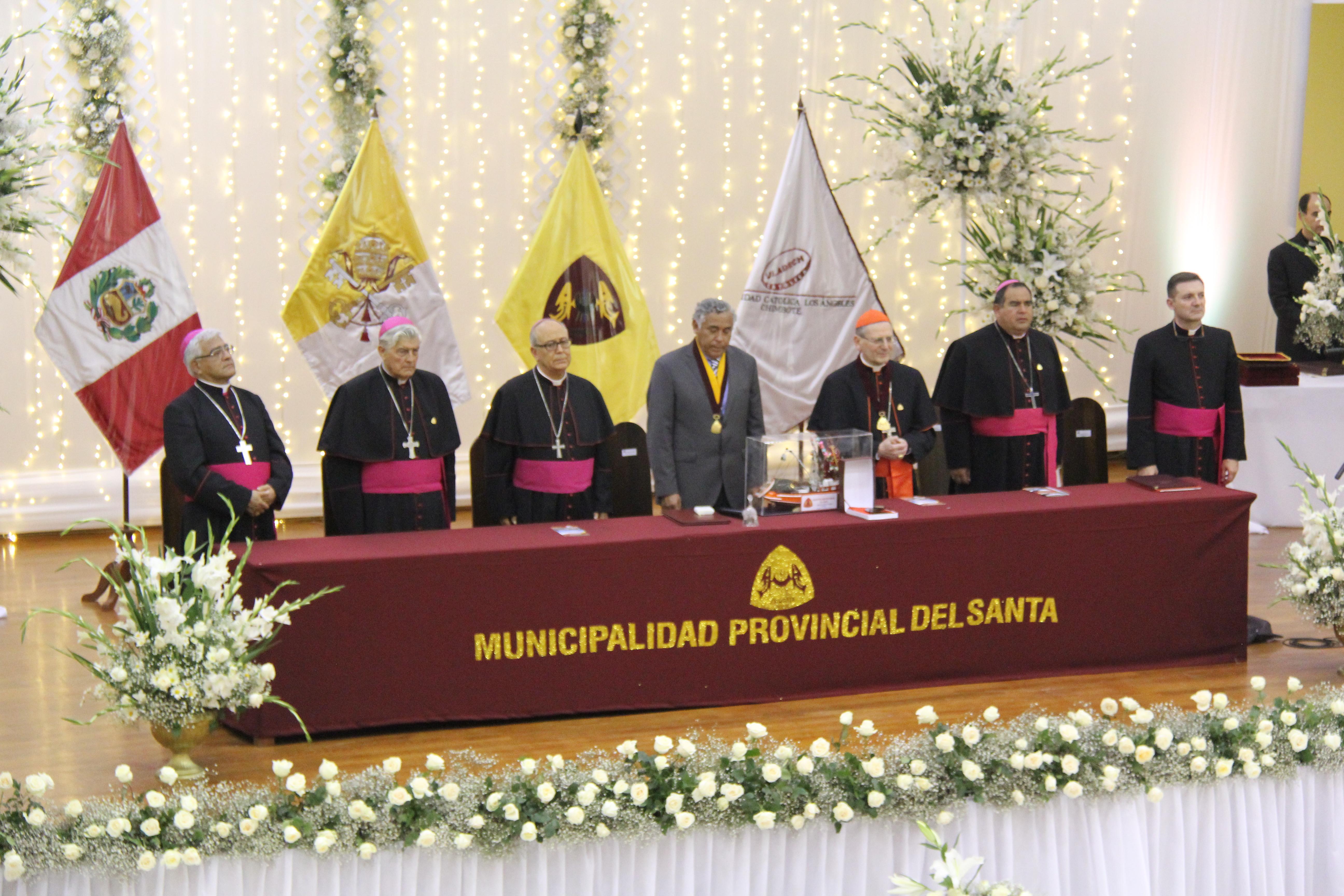 Cardenal Amato en visita a Perú