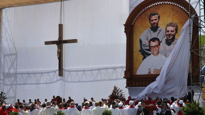Develacion-franciscanos-Tomaszek-Strzalkowski-Alessandro_LPRIMA20151205_0118_24