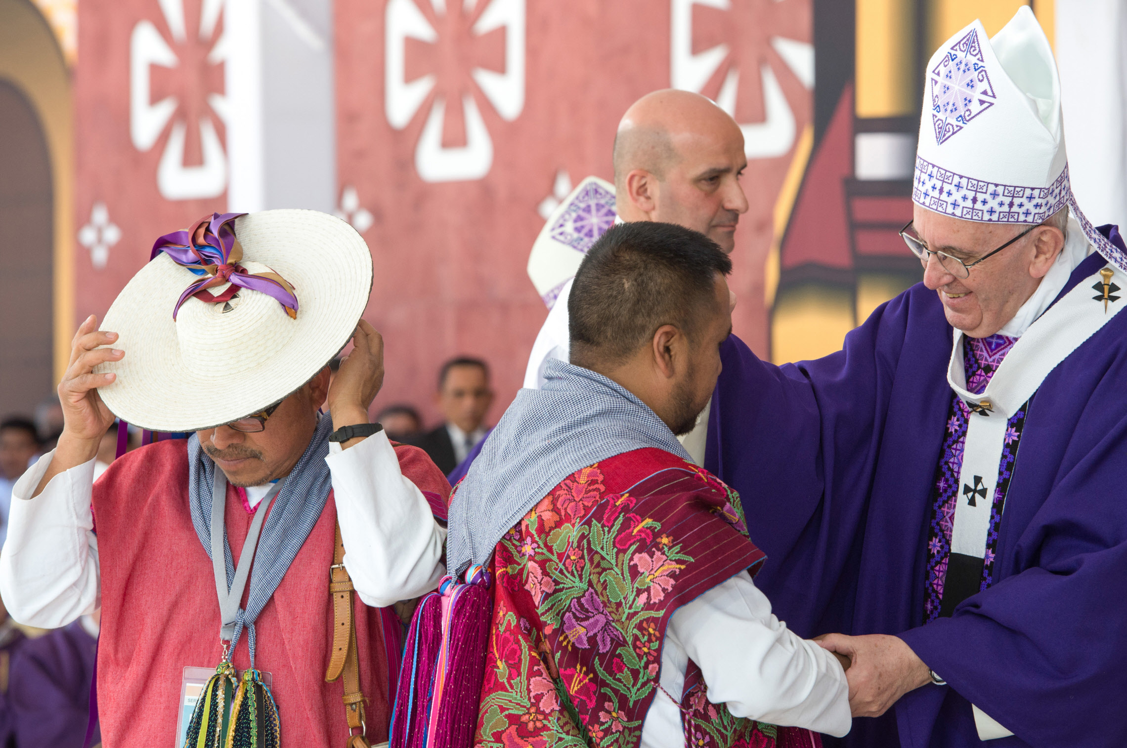 15 février 2016 : Le pape François célèbre une messe à San Cristobal de Las Casas, dans le Chiapas. Messe en hommage aux peuples indigènes et à leur culture. San Cristobal de Las Casas, Mexique. DIFFUSION PRESSE UNIQUEMENT. EDITORIAL USE ONLY. NOT FOR SALE FOR MARKETING OR ADVERTISING CAMPAIGNS. February 15, 2016: Pope Francis celebrates a Mass in San Cristobal delas Casas, Mexico.