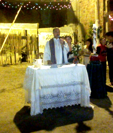 Sacerdote celebrando