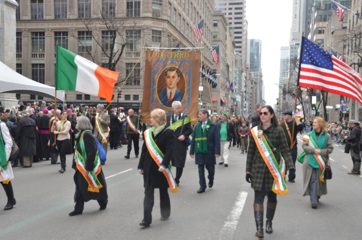El primer desfile del día de San Patricio se celebró en 1762, cuando un grupo de soldados irlandeses marcharon por las calles de Nueva York un 17 de marzo para celebrar a su santo patrono