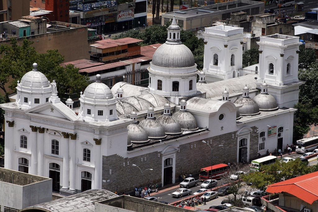 Basílica de Santa Teresa y Santa Ana,  en el centro de Caracas, que guarda la imagen del Nazareno de San Pablo