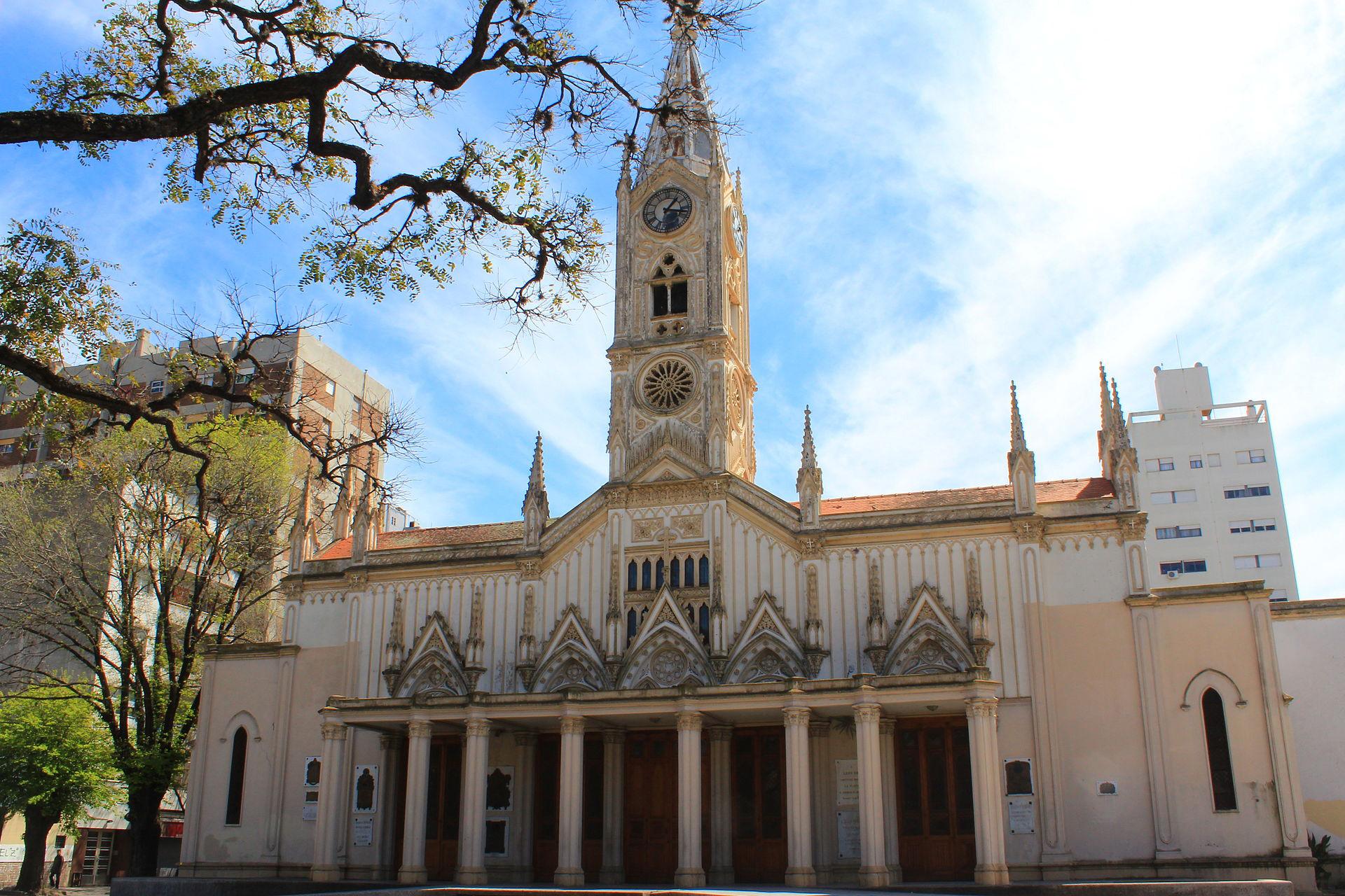 WEB-ARGENTINA-LA PLATA-Basílica_de_San_Ponciano-Danielsantiago9128 -cc.