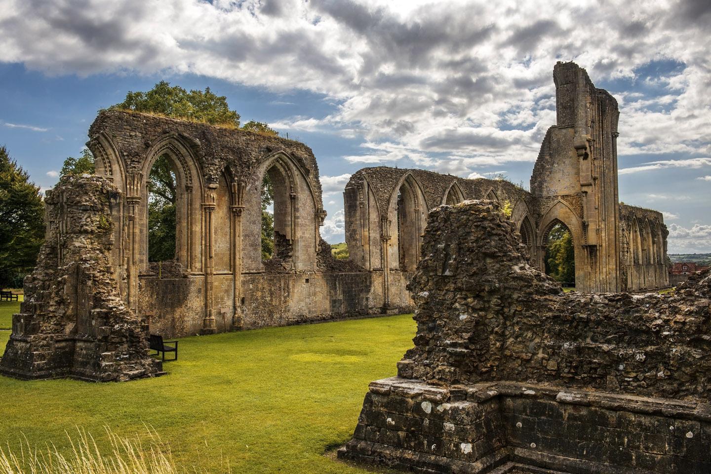 Las ruinas de la abadía de Glastonbury, probablemente la más famosa de las ruinas católicas inglesas