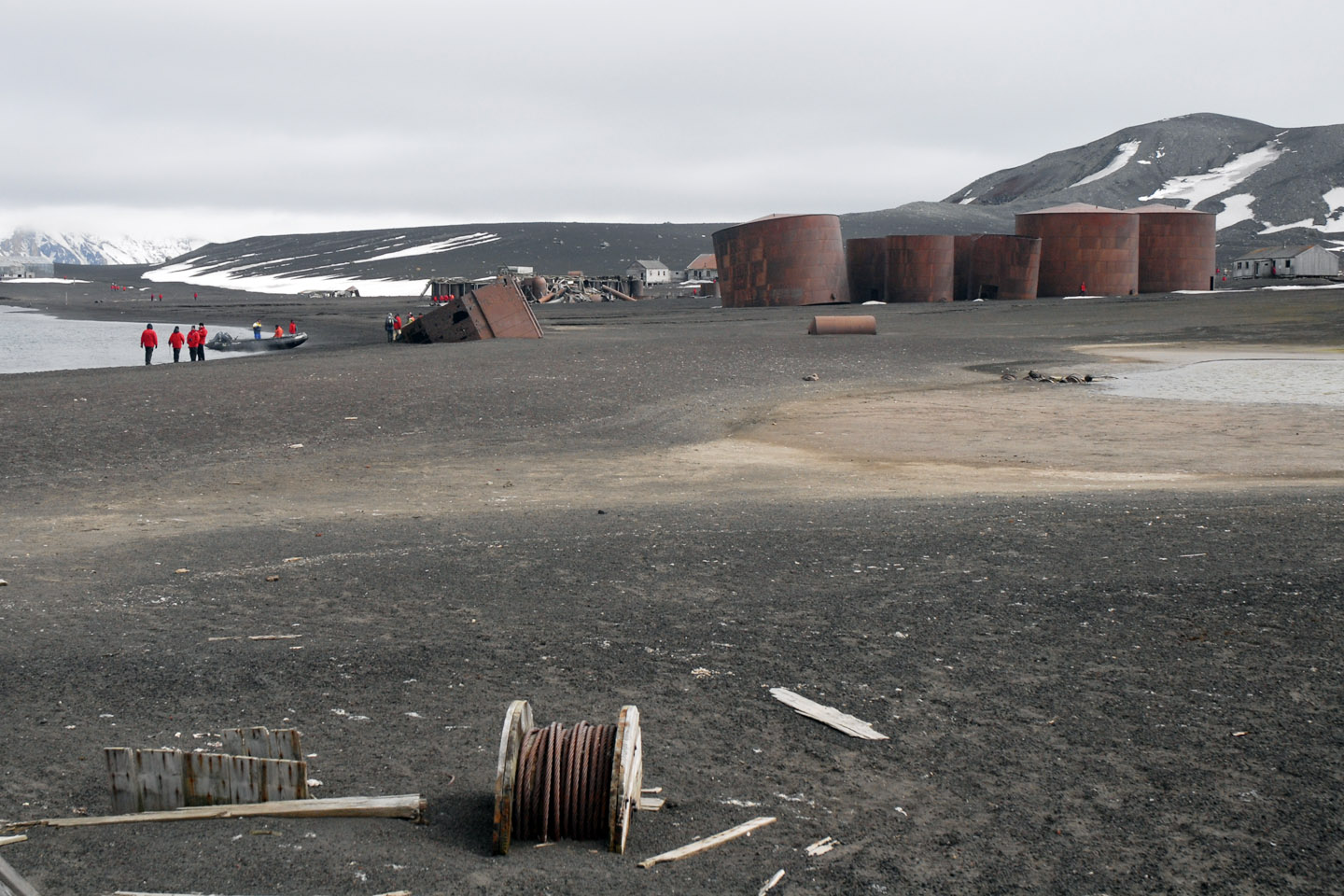 WEB-ANTARCTICA-GARBAGE-CHILE-DECEPTION-ISLAND-Rick Segal-CC