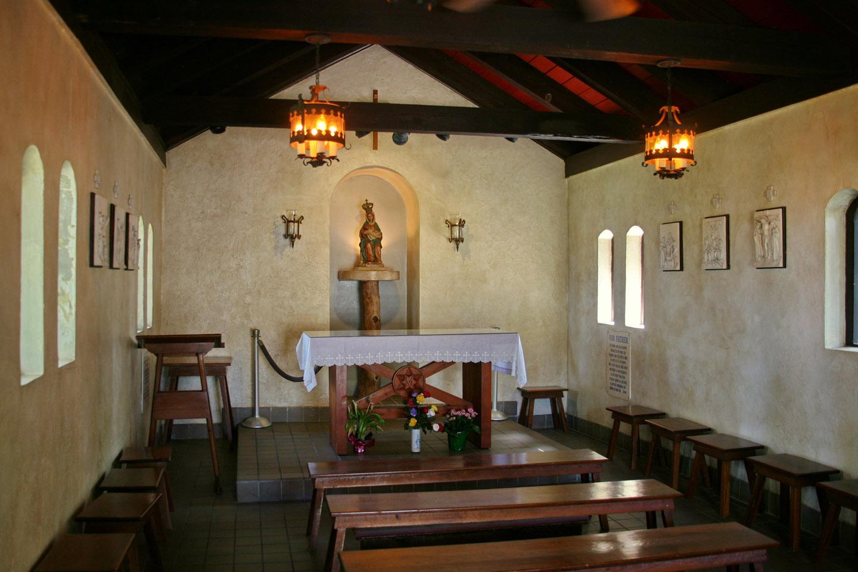 Los peregrinos que visitan el Santuario de Nuestra Señora de La Leche, en la Misión del Nombre de Dios, pueden apreciar el altar en el que, el 8 de septiembre de 1565, se celebró la primera Misa en territorio estadounidense.