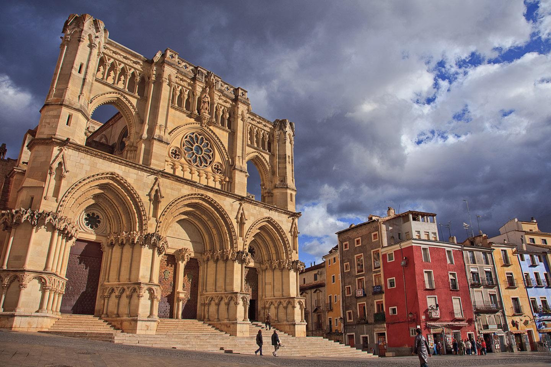 La Catedral de Cuenca fue el primer templo gótico construido en España.
