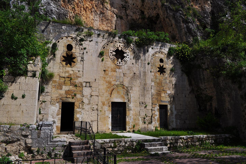 """Este año, en Antioquia, Turquía, católicos y ortodoxos celebrarán juntos la fiesta de los Santos Pedro y Pablo en la llamada """"Gruta de Pedro"""", una antiquísima iglesia ubicada en una gruta en una de las laderas del Monte Starius."""