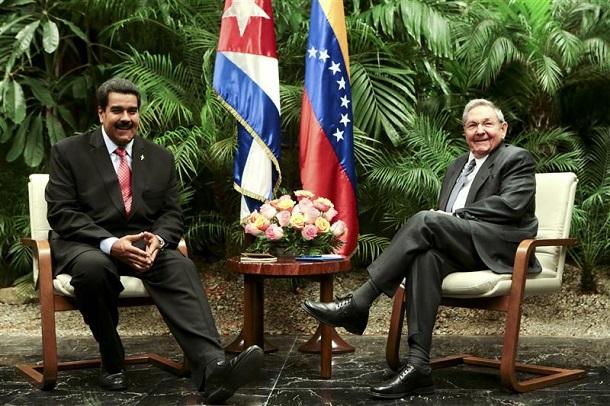 Castro advirtió al Parlamento cubano sobre la contracción en los suministros de combustibles pactados con Venezuela.