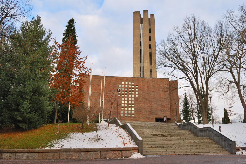 WEB-LAHTI-CHURCH-FINLAND-shutterstock_118622809-Estea-AI