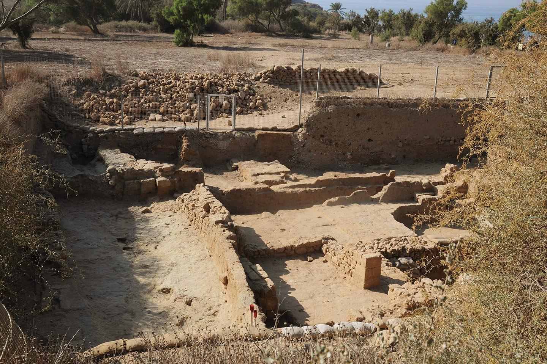 El cementerio data de entre los siglos XI y VIII A.C.