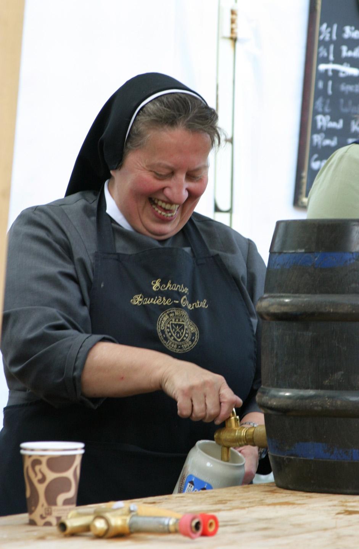 Para el año de 1969 Engelhard ya había aprendido a hacer cerveza, bajo la tutela de otra hermana, que había estado a cargo del oficio desde 1931