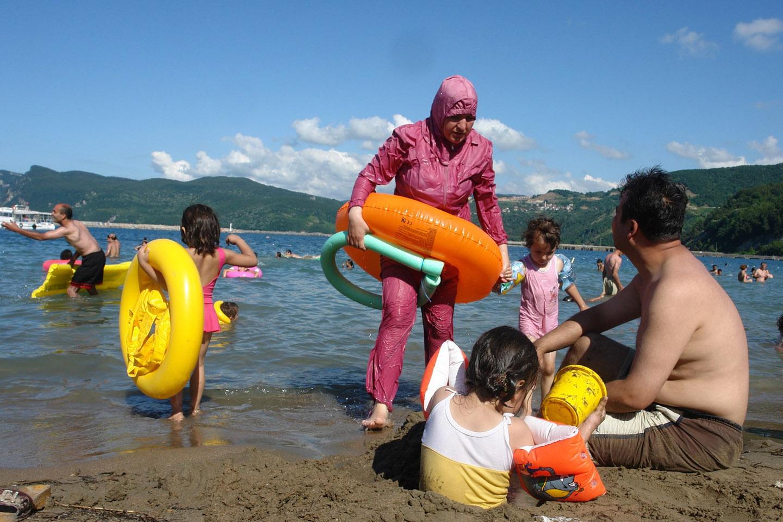 WEB-BURKINI-TURKEY-SEA-BATH-Charles Roffey-cc