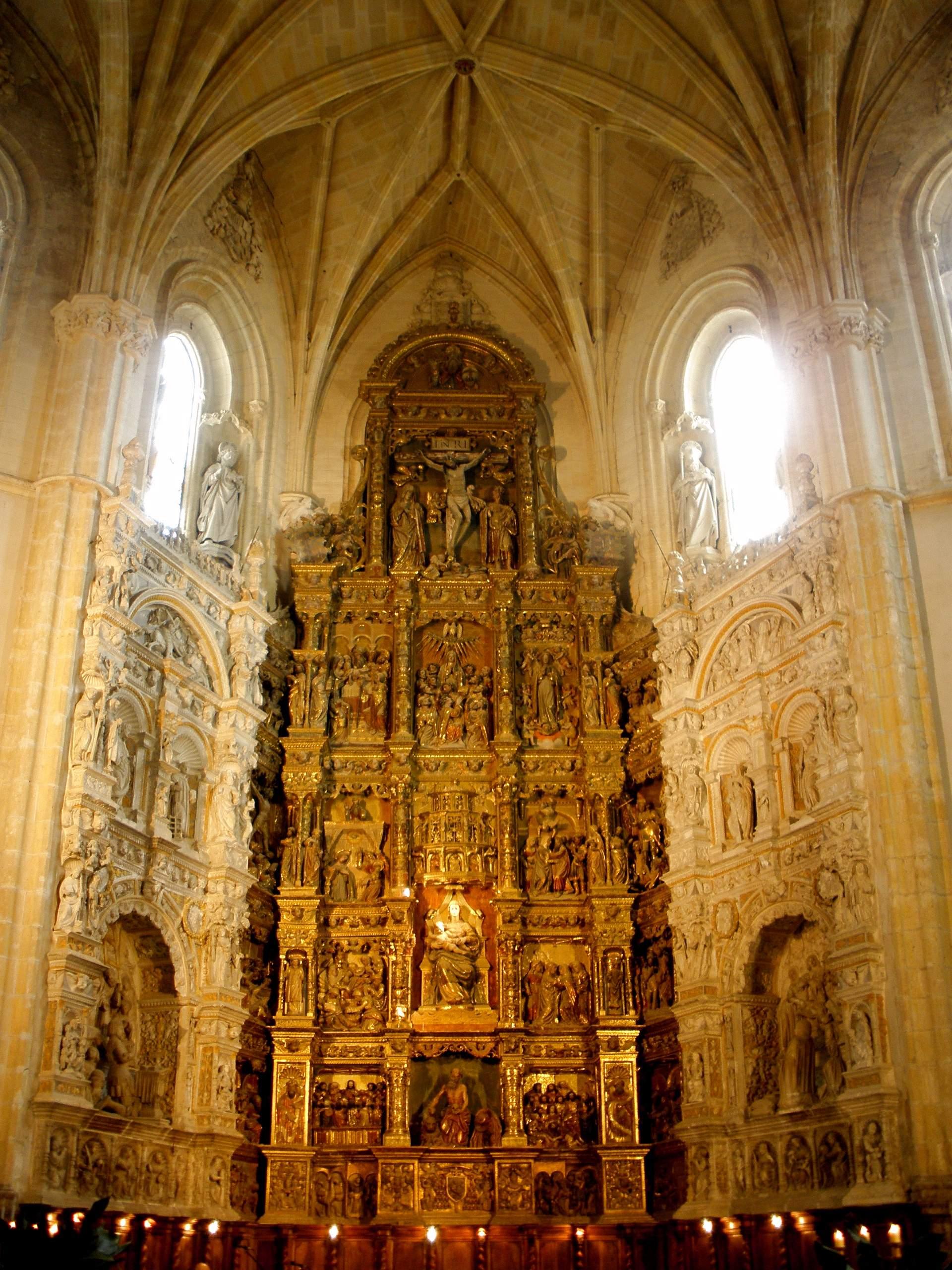 La Orden fue restaurada en 1925, en el Monasterio de Santa María Del Parral, en Segovia, por el Beato Manuel de La Sagrada Familia, quien moriría fusilado durante la Guerra Civil. Foto de Zarateman, Wikimedia Commons.