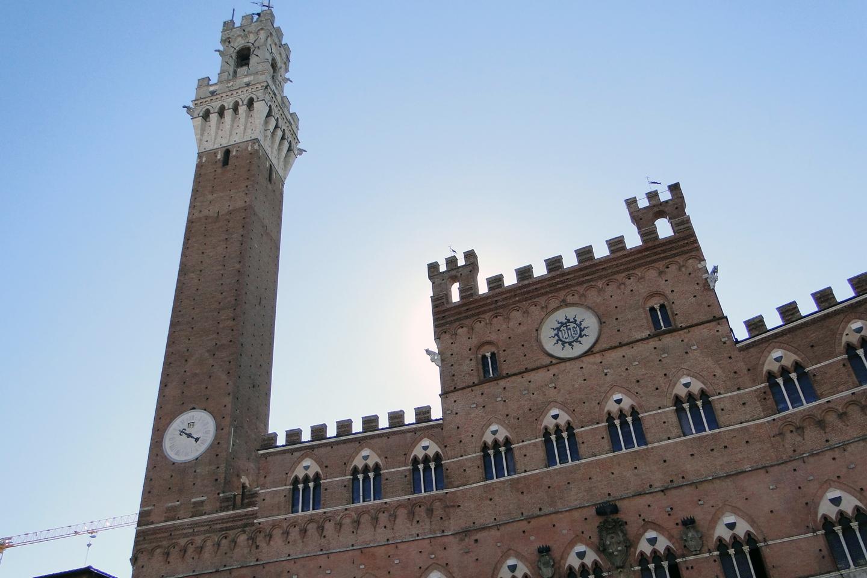 Fundada en 1240, recibió su certificación pontificia en 1252, de manos del Papa Inocente IV.