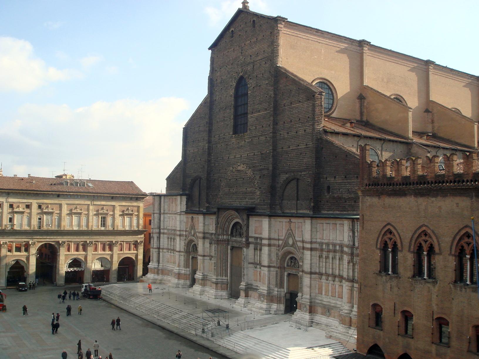 Uno de los observatorios solares más exactos de la época fue construido en la Basílica de San Petronio, en Boloña. Foto de Giovanni Dall'Orto.