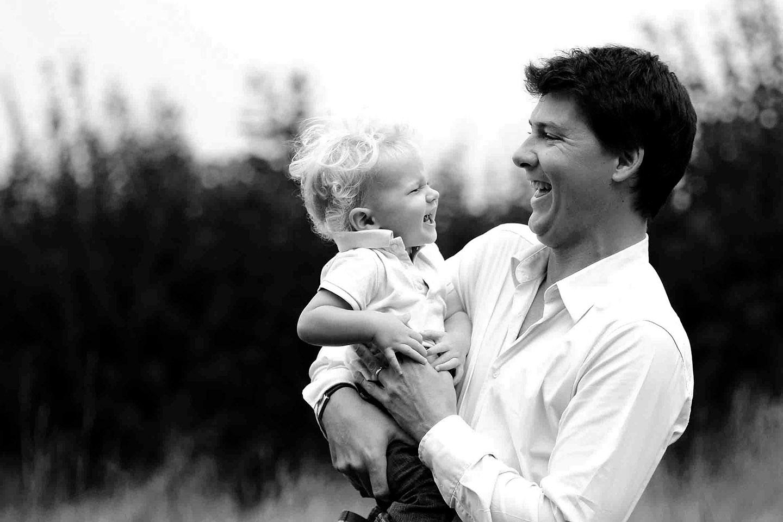 web-father-son-dad-fun-smile-emma-freeman-cc