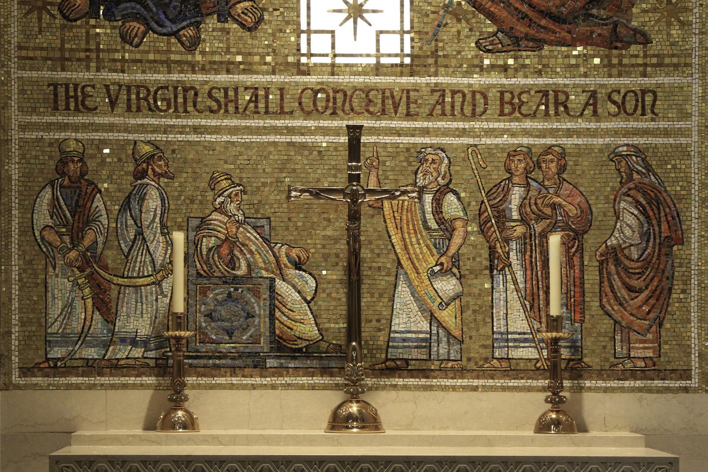 Si bien la primera Misa fue celebrada en la Basílica en 1959, no se considera que está oficialmente terminada del todo: algunos trabajos en varios de sus magníficos mosaicos aún están por concluir.