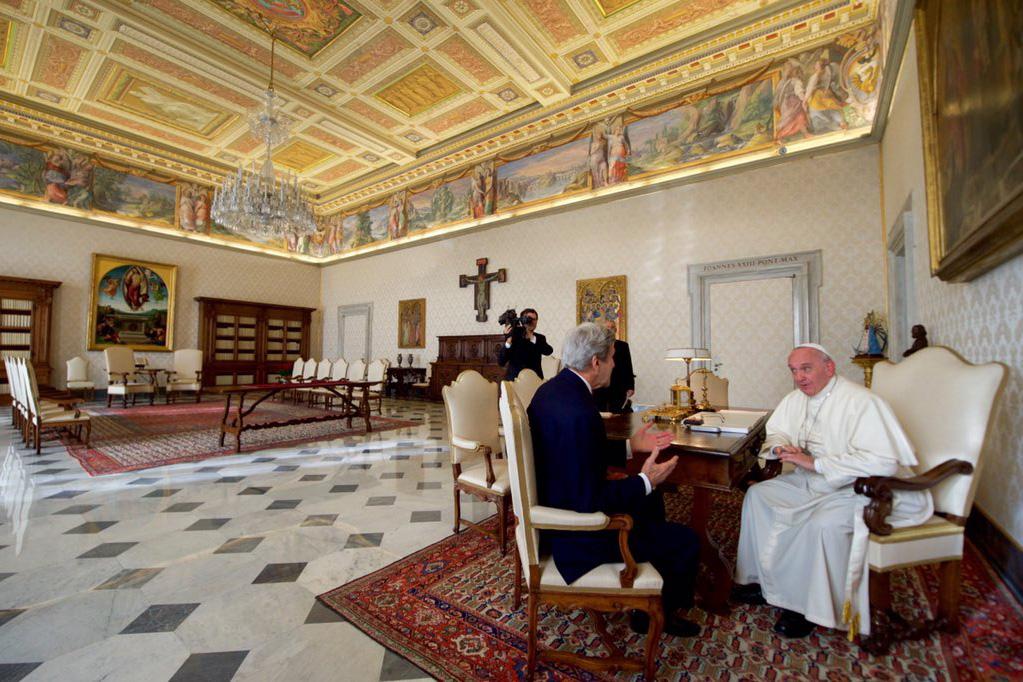 web-john-kerry-pope-francis-twitter-john-kerry