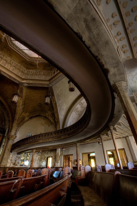 """La iglesia Presbiteriana de la Avenida Woodward de Detroit fue construida en 1911, en pleno apogeo del llamado """"revival gótico"""" estadounidense, diseñado por el arquitecto Sidney Badgley."""