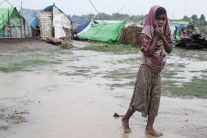 web-girl-refugee-poverty-camp-steve-gumaer-cc