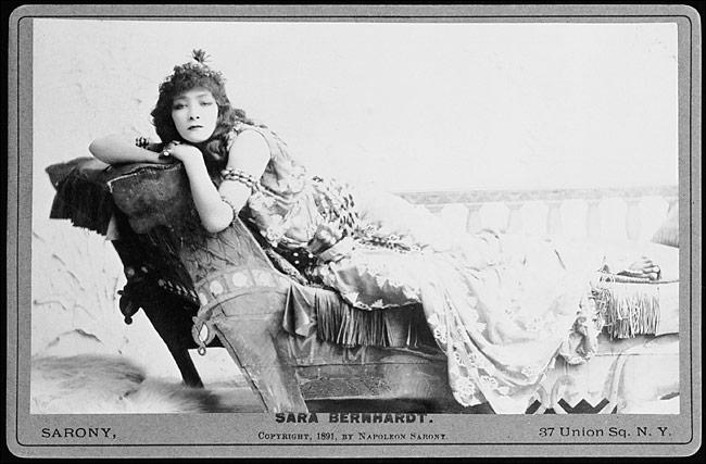 Sarah Bernhardt como Cleopatra, 1891