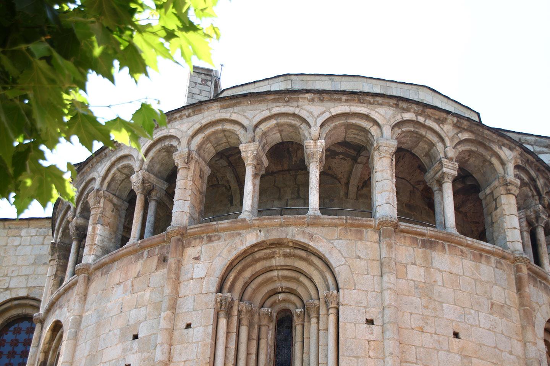 web-cathedrale-santa-maria-de-la-seu-durgell-kristobalite-cc