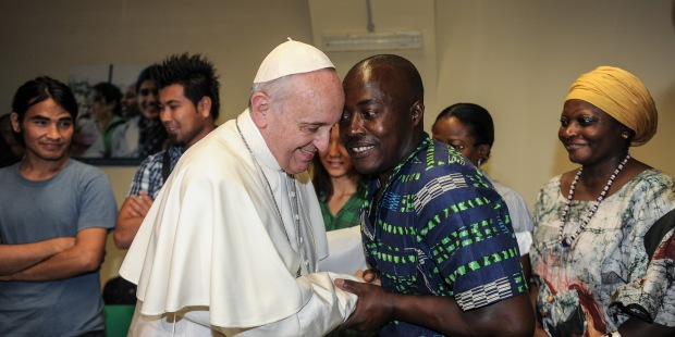 Pope with refugees