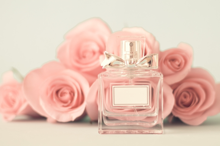 Perfume pink roses