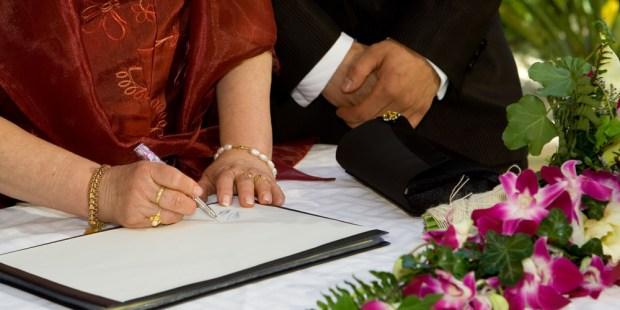WEDDING-SIGNING-WITNESS
