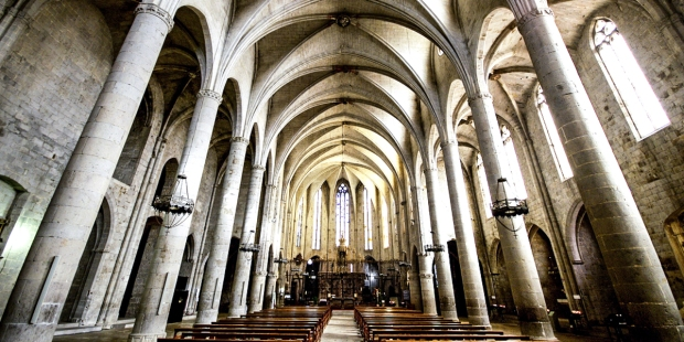 INTERIOR OF CHURCH,COLUMNS