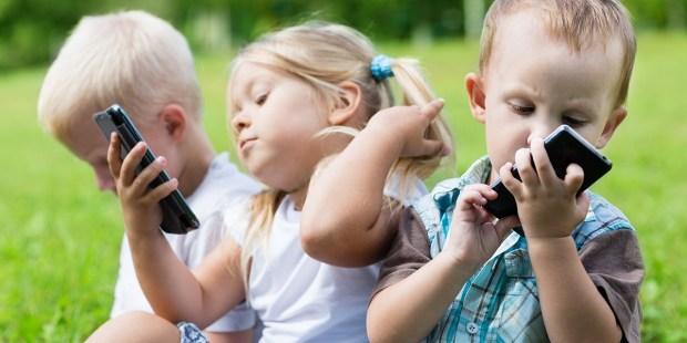 Children on Smartphones