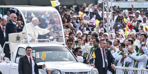 POPE ARRIVES IN BANGLADESH
