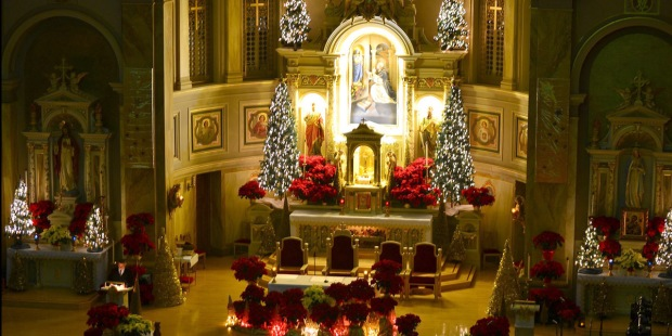 CHRISTMAS,MASS,ALTAR