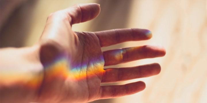 HAND,REACHING