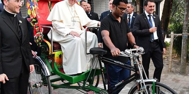 BANGLADESH-VATICAN-RELIGION-POPE
