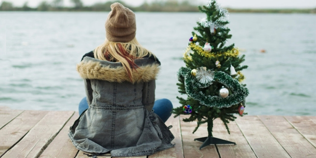 WOMAN;CHRISTMAS;TREE;DOCK