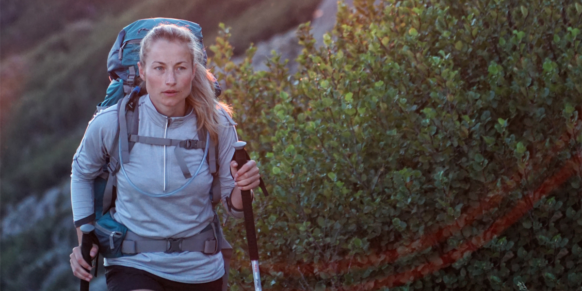 WOMAN,HIKING,HEALTH
