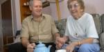 FRIENDS DRINKING TEA