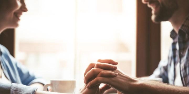 COUPLE HANDS