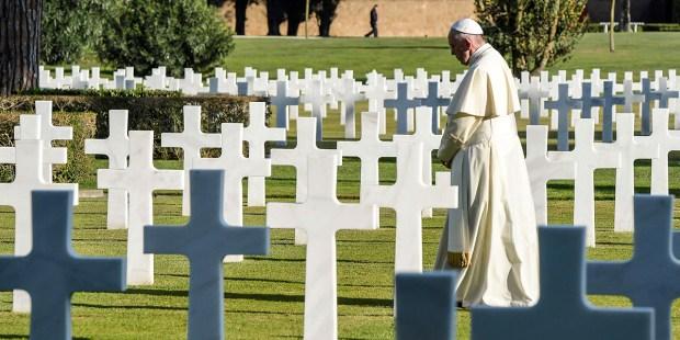 POPE FRANCIS,WW2,CEMETERY