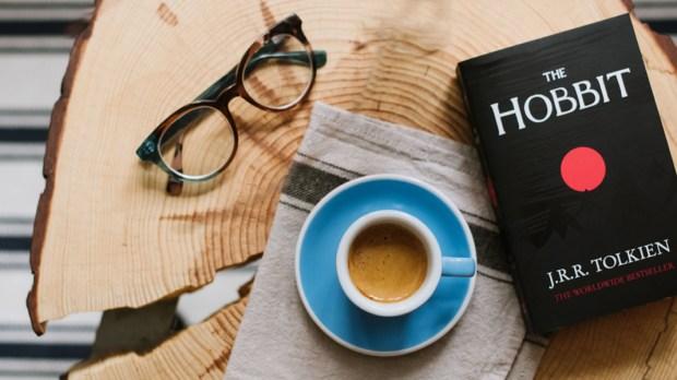 THE HOBBIT,BOOK,LAYFLAT
