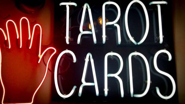 TAROT CARD SIGN